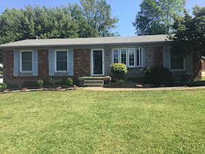 7403 Beechdale Rd Crestwood, KY 40014