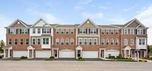 3 Timber Wolf Dr Wheeling, IL 60090