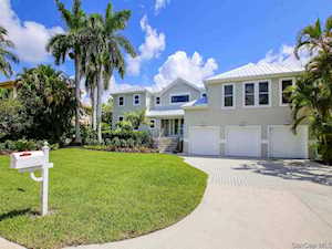 1238 Isabel Dr Sanibel, FL 33957