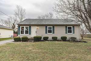 104 Eastview Cir Shelbyville, KY 40065