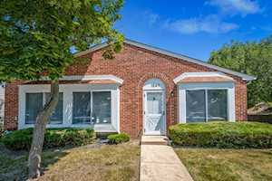 1647 Islandview Ct Hoffman Estates, IL 60169