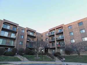 601 W Huntington Commons Rd #402 Mount Prospect, IL 60056