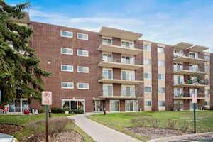 5300 Walnut Ave #24E Downers Grove, IL 60515