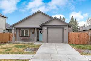 21227 Thornhill Bend, OR 97701