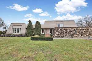 15 Royal Vale Dr Oak Brook, IL 60523