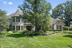 208 Fiala Woods Ct Naperville, IL 60565