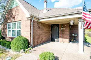 4432 Southbridge Ct Louisville, KY 40272