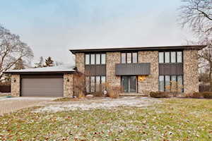 3416 Lake Knoll Dr Northbrook, IL 60062