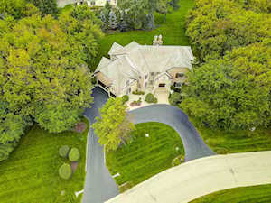 3 Barberry Dr Hawthorn Woods, IL 60047