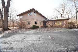 1209 Oak Trail Dr Libertyville, IL 60048