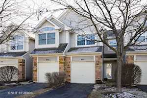 930 Mesa Dr Lake In The Hills, IL 60156