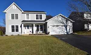 971 Brandt Dr Lake In The Hills, IL 60156