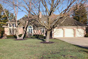 9 Lake View Rd Hawthorn Woods, IL 60047