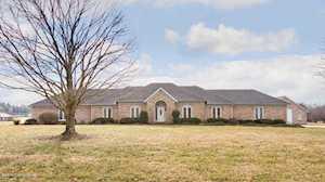 689 W Laurel River Dr Shepherdsville, KY 40165