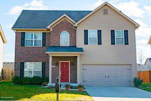9124 River Trail Dr Louisville, KY 40229