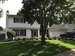 2434 Waupaca Ct Naperville, IL 60564