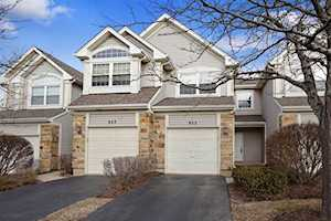 925 Mesa Dr Lake In The Hills, IL 60156