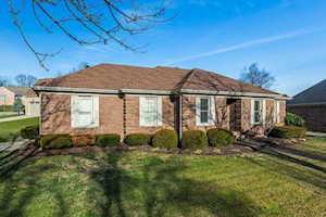 1079 Forest Lake Drive Lexington, KY 40515