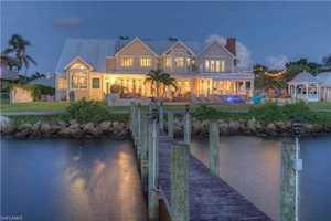8451 Casa Del Rio Ln Fort Myers, FL 33919