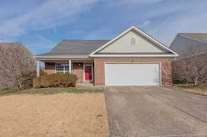 4822 Wooded Oak Cir Louisville, KY 40245