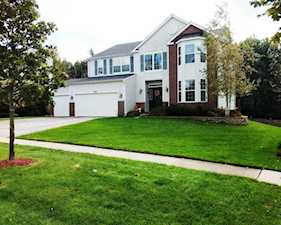 3707 Rolling Hills Rd Carpentersville, IL 60110