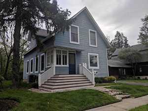 160 Sunnyside Place Libertyville, IL 60048
