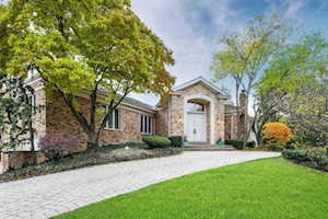 52 Baybrook Ln Oak Brook, IL 60523