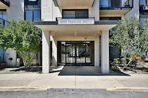 9098 W Terrace Dr #1L Niles, IL 60714
