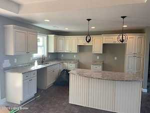 105 Calloway Ct Bardstown, KY 40004