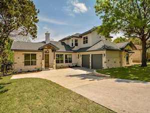 3 Camwood Trl The Hills, TX 78738