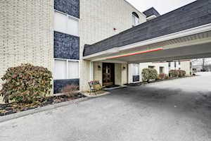 4875 Sherburn Ln Louisville, KY 40207