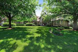 1740 Lakeview Terrace Libertyville, IL 60048