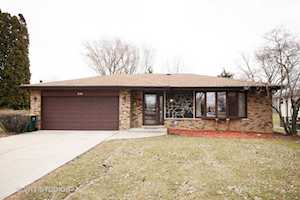 9S305 Rosehill Ln Downers Grove, IL 60516