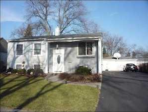 626 Maple Dr Buffalo Grove, IL 60089