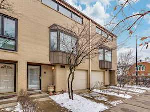 557 W Eugenie St Chicago, IL 60614