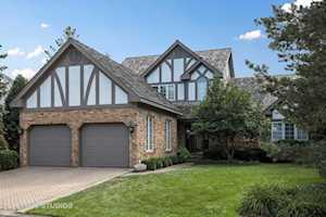 60 Berkshire Ct Burr Ridge, IL 60527
