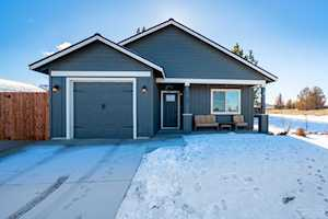 21199 Thornhill Bend, OR 97701