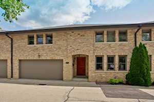 703 Rienzi Ln Highwood, IL 60040