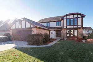 8456 Buckingham Ct Willow Springs, IL 60480