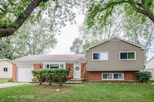 654 Coventry Ln Crystal Lake, IL 60014