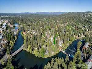 1714 Steidl Bend, OR 97703