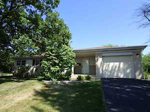 1541 Huntington Dr Glenview, IL 60025