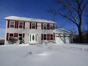205 Plum St Lake In The Hills, IL 60156