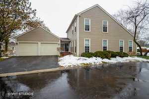 12 The Court of North Corner Ct Northbrook, IL 60062