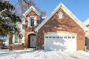 600 N Willow Rd Elmhurst, IL 60126