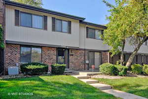 7348 Winthrop Way #2 Downers Grove, IL 60516