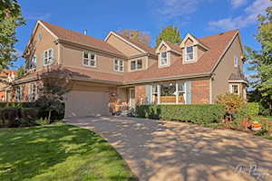2933 Whispering Oaks Dr Buffalo Grove, IL 60089