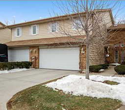 6634 Wood River Dr Niles, IL 60714