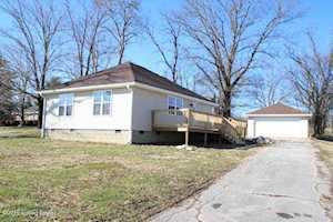 1056 Bonds Mill Rd Lawrenceburg, KY 40342