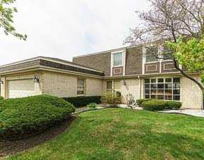10 Fairview Ave Deerfield, IL 60015